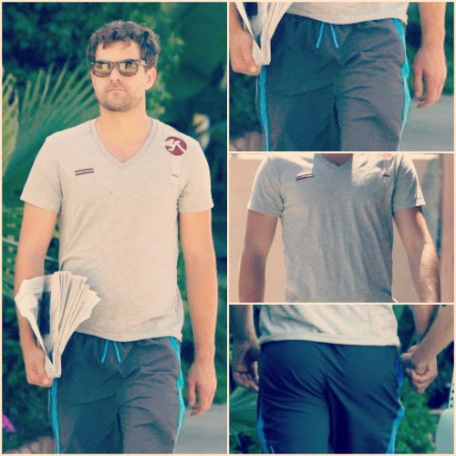 remembertolovemeanstolive:  Joshua Jackson's body parts.   Joshua Jackson take a stroll in LA (05/19//2013)