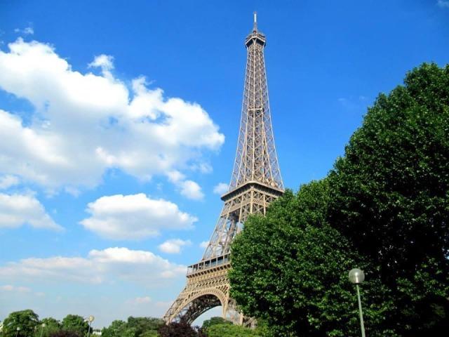 Memories. Taken: 16/07/2014 and 17/07/2014. Holiday In Paris. #Photos#Photography#Memories#Sunshine#Paris#France#Beautiful#Eiffel Tower#Blue Sky#Clouds#Trees#City#Holiday#City Break#Summer #Wonderful Few Days In Paris  #Loved This Trip #Walks#Grateful#Views#Breathtaking#Beautiful City#Landmarks