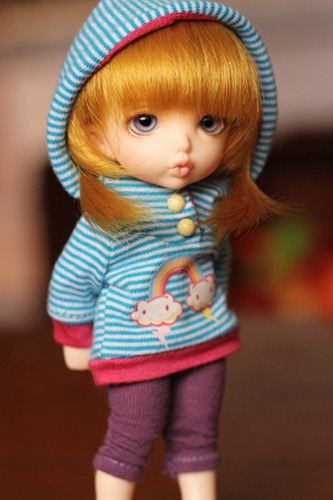 btmsdolls:  IMG_7708 on Flickr.keishi lent me a couple pairs of eyes to try in hadley so i can pin down a color to order in miss flynn's HGC eye GO. i really like this one :3