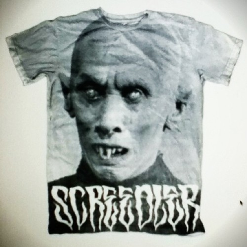 I'd rock it! Would you? #craigwheatart #screedler #tshirt #photoshopfun Thanks for the nice mask @hungrymonster ! 💻👕👍