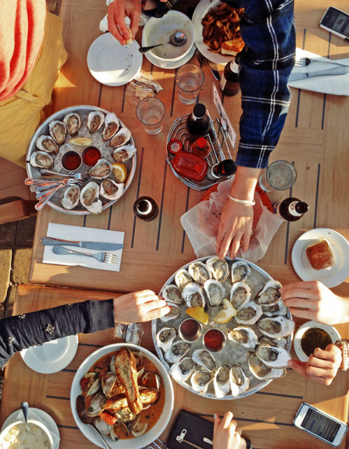 kieljamespatrick:  Oysters for everyone!