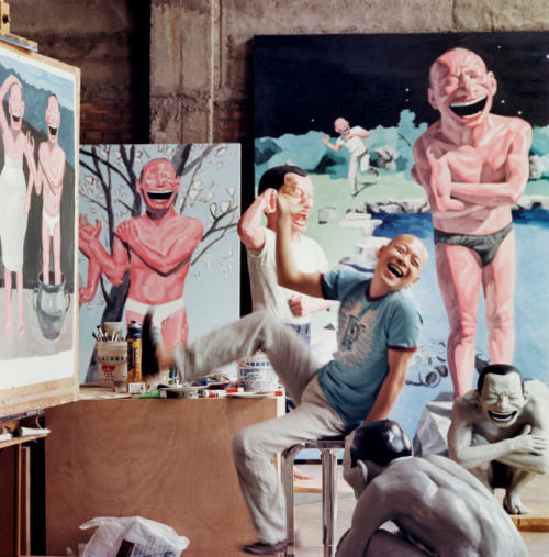 satan-o-matic:  Yue Minjun in his studio, Beijing, May 2007 by Jonathan Becker -   Minjun in his studio