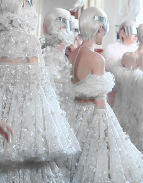 wink-smile-pout:  Backstage at Alexander McQueen Fall 2012