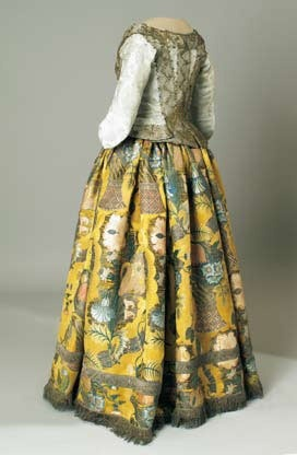 French skirt, c. 1710  Museum of Arts and Crafts, Zagreb I love the textiles and colours