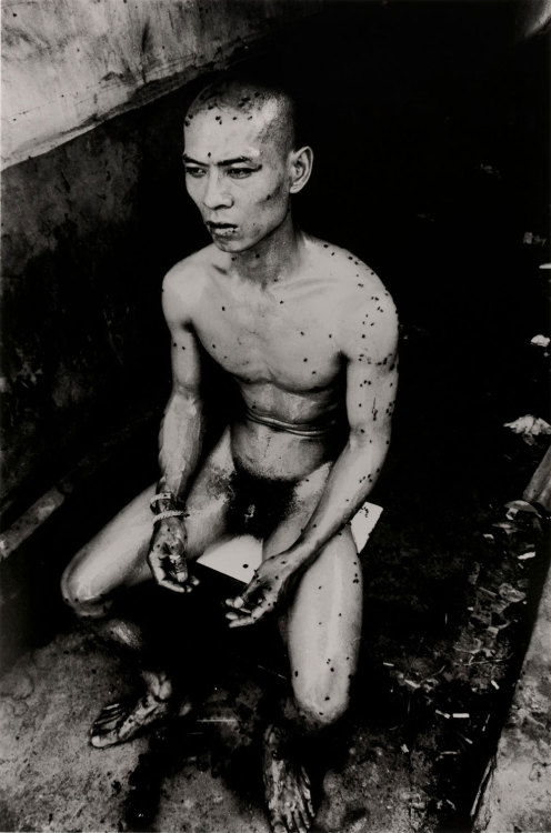 12 Square Meters, 1994, Zhang Huan.