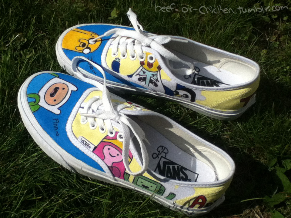 politeremarks:  beef-or-chicken:  My Adventure Time shoes I painted !! I am very happy with how they turned out hehe  OMG they're awesome!!!