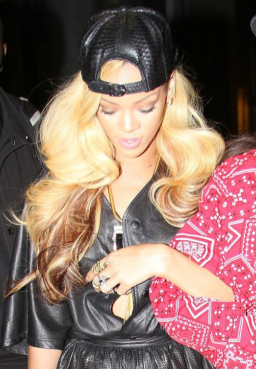 lithiumirene:  livelovelaughforbey:  Hair»»»  ugh!!! that WEAVE! AMAZ!