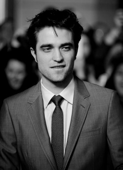 aneclipseofthemoon:  Robert Pattinson