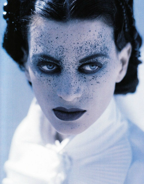 celines:  Kristen McMenamy by Christian Moser for Vogue Paris 1991