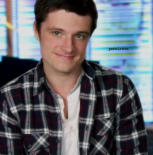 hutcher-heart-on:  cheeks-and-white-tshirts:   Puppy.    d'awww…. ^_^