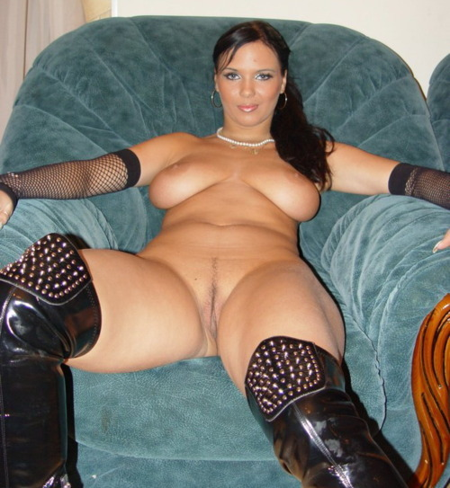milf-hardcore-sex:  Do you guys like my new picture? Wanna meet Me? Click Here