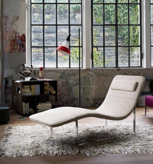 homedesigning:  Cream Chaise Lounge