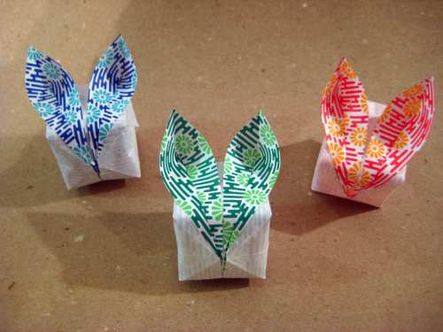 robinfitzsimons365:  Day 191: Origami Bunnies March 29, 2013 Hoppy Easter! tutorial here  Origami bunny