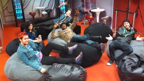 @ptxofficial in the @1035kissfm coke lounge!