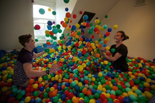 finnharries:  Bed Room Ball Pit!