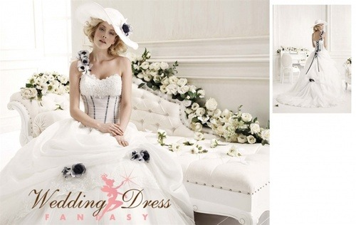 Vintage inspired wedding dress from www.weddingdressfantasy.com