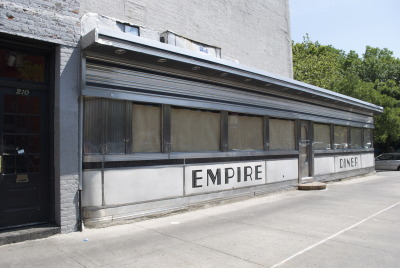 Saving NYC's Vintage Diners: Moondance, Cheyenne, Empire Diner & the Lost Diner http://untappedcities.com/2013/05/21/saving-nycs-vintage-diners-moondance-cheyenne-empire-diner-the-lost-diner/