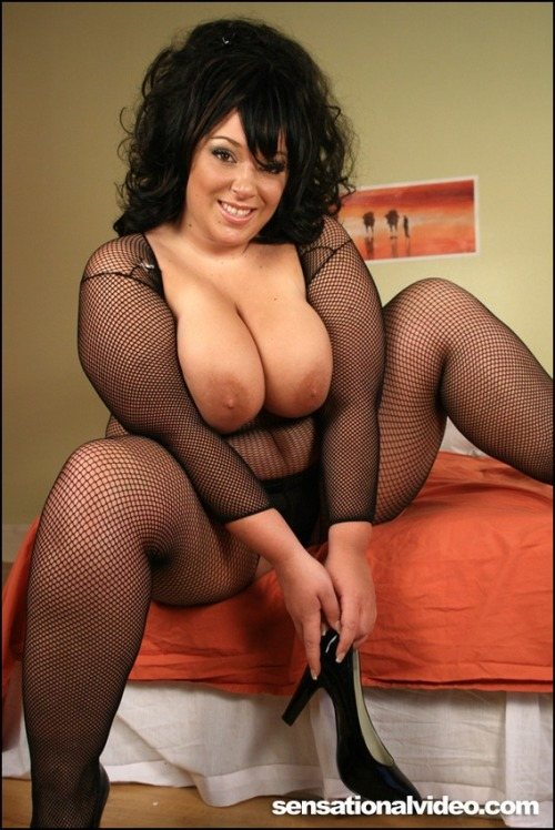 bbwwifes:  Do you guys like my new picture? Wanna meet Me? Click Here