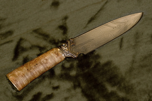 art-of-swords:  Handmade Knives Damascus blade by ~Ugrik