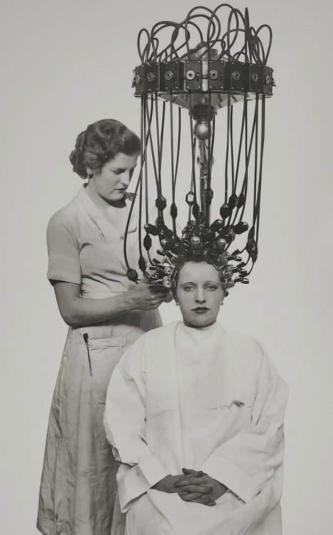 Gallia Hair-dryer ,1935.