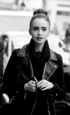 ivoury:  fl-orish:  hauteinnocence:  Lily Collins in Paris, France  adorable  shes so beautiful omfg