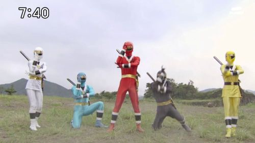 igniteoscar:  Kakuranger are not alien as they are ninjas! Saban will never learn.