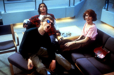 The scene in which all characters sit in a circle on the floor in the library and tell stories about why they were in detention was not scripted. John Hughes told them all to ad-lib. The Breakfast Club (1985)
