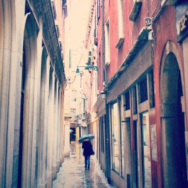 Jorge Gobbi:  Rain (at Venice, Italy)