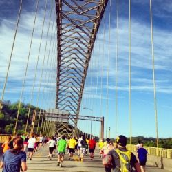Pittsburgh Marathon Standing at the conjunction of 3 rivers, Pittsburgh is a city of bridges. The Pittsburgh Marathon was a great chance to experience different neighbourhoods of this steel city. Although my legs have been killing me for 2 days since the run, I say totally worth it!