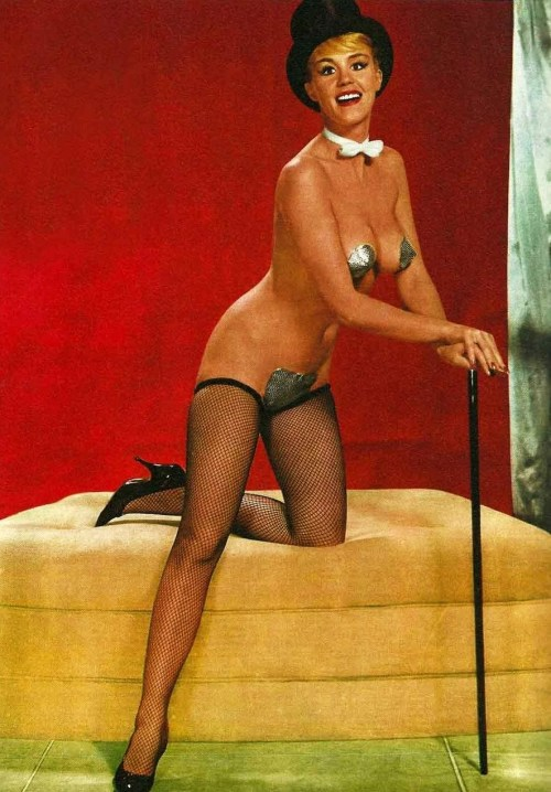 2013's first non-Bettie, non-Bunny vintage pinup. Startlingly appropriate, don't you think?