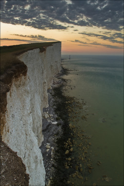 wanderthewood:  Beachy Head, East Sussex, England by sven483