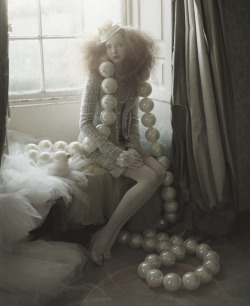 Lily Cole photographed by Tim Walker   Freaking mind blown.