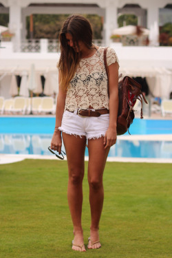 the-streetstyle:  Pool Partyvia trendytaste