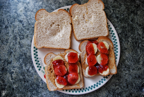-strawberry banana peanut butter sandwich-
