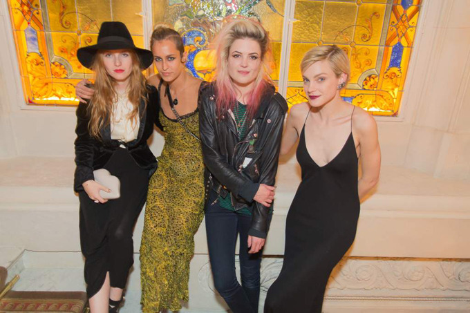 moonlight-driive:  Joséphine de La Baume, Alice Dellal, Alison Mosshart et Jessica Stam.  fuck it. my lesbian part LOVES this.