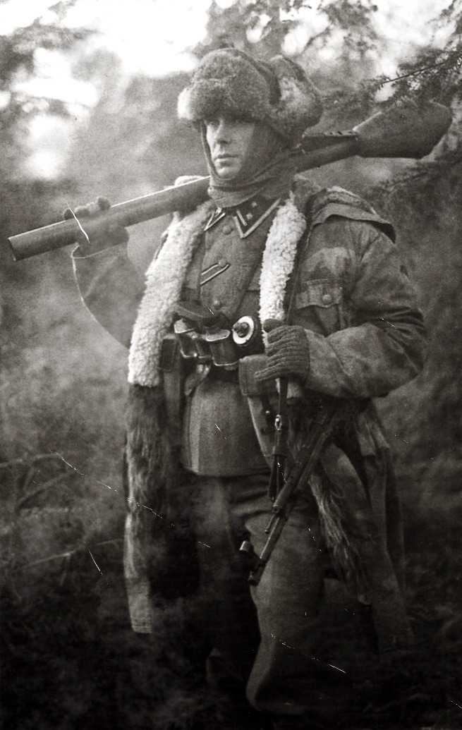 tkohl:  SS man with Panzerfaust