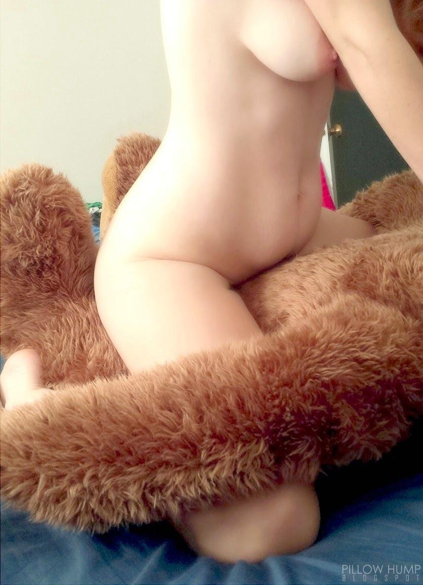 Naked asian girls naked asian girls hump happened on pillows Girl Humping Pillow Matures Porn