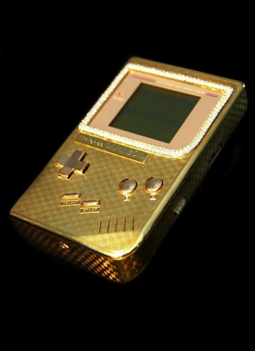 trvllambitions:  b-laise:  the most expensive GameBoy  †
