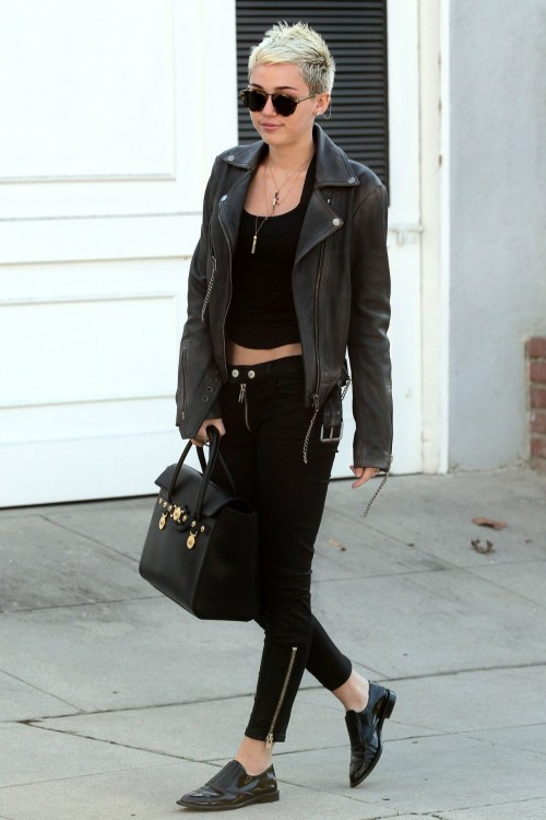 what-do-i-wear:  Miss Miley Cyrus