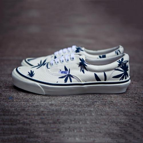 alliecaaat:  Vans canabis !!!!! I want these so bad!!!