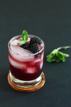 foodopia:  blackberry vanilla splash: recipe here