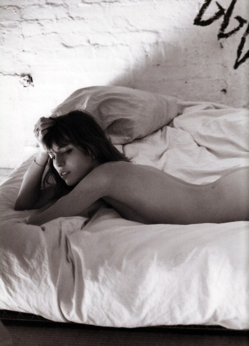 thequietfront:  Lou Doillon by Mario Sorrenti for Purple