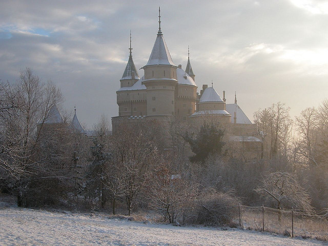 fyeaheasterneurope:  Winter at Bojnice Castle in Slovakia.