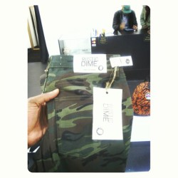 #RusticDime take on the over trendy camo pants, like the fit with a blue slim cut  summer blazer #menswear #GQ #GQmagazine #instafashion #instagood #Camo #TrillTrends #Esquiremagazine #Esquire #EstateBoutique @estateraleigh #mishka