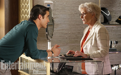 'Glee' First Look: Blaine checks out engagement rings for Kurt! — EXCLUSIVE PHOTO Gleeks, this one is gonna get you misty-eyed: EW has an exclusive first look at the Gleeseason finale, airing May 9 at 9 p.m., in which Blaine (Darren Criss) goes engagement-ring shopping for Kurt (Chris Colfer)! Commence swooning. Does this mean that Blaine will pop the question? While at the store, Blaine meets an employee, played by guest-star Patty Duke, who's part of a long-term lesbian couple (the other half is played by Family Ties' Meredith Baxter). The pair befriend Blaine and Kurt and give them some advice on love.