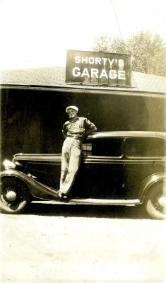 Shorty's Garage, Coulterville, Illinois, 1940s.