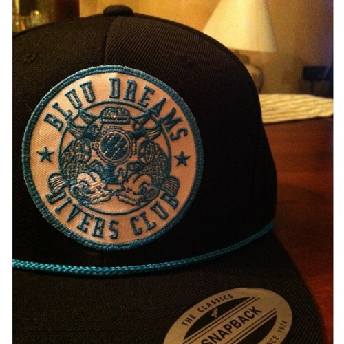 Soooooo what we have here is the 1 of 1 #bluudreams #divers club #snapback with the ice bluu rope. I actually added the rope for myself today but I wasn't sure if everybody would be into it. If you #like what you see, #like the photo and leave a comment on what you think and maybe I'll mass produce them for Fridays release. If not then this will be a @andyrocksbluu exclusive for himself 😬. #streetwear #hypebeast #longisland #exclusive #fashion #deepseadiver #style #brand #clothing #diversclub