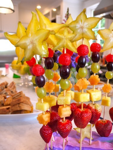 gettingahealthybody:  Fruit skewers.
