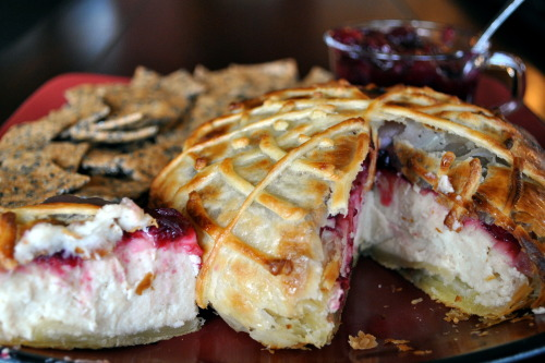 the-vegan-librarian:  Vegan Macadamia Nut Brie En Croute.