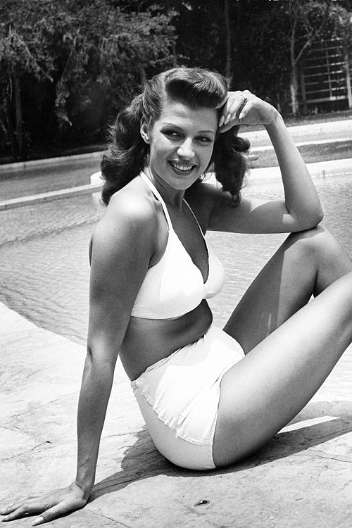 bellecs:  Rita Hayworth at home in Los Angeles, 1945.